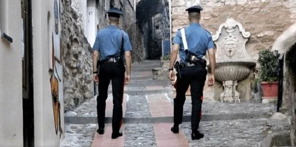 carabinieri, poste, famiglia