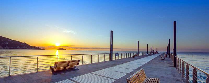 stabilimenti balneari, liguria, turismo