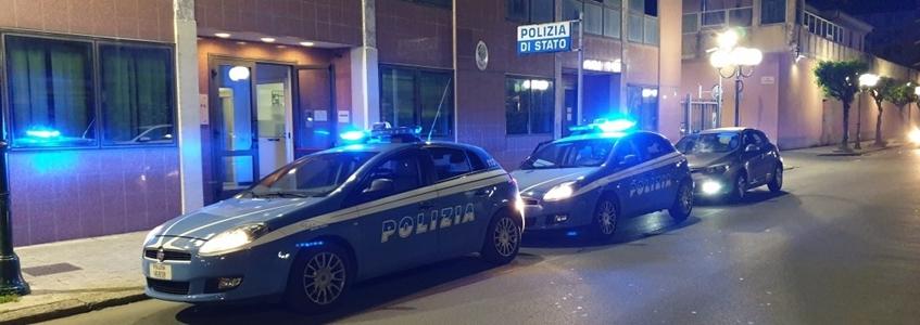 Genova. Branco di giovanissimi aggrediscono coetanei con spranghe, cinture e bombe carta: denunciati