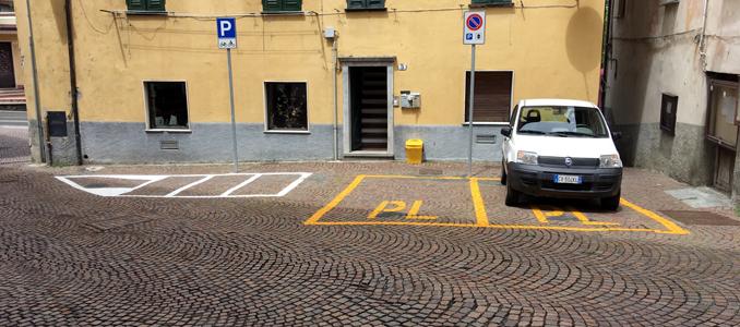 sassello centro storico, segnaletica stradale, daniele buschiazzo