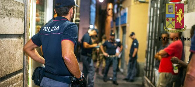 Genova. La prima in via Dondero alle 21, la seconda in un albergo di via Balbi alle 22,40