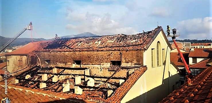 chiesa San Lorenzo Cairo Montenotte, incendio doloso, carabinieri cairo montenotte, vigili del fuoco savona, cronaca