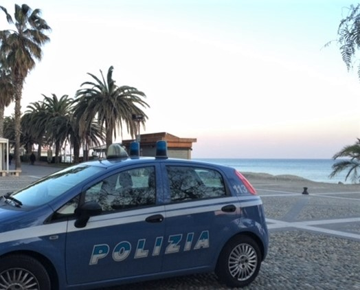 Savona, controlli nel Finalese da parte della Polizia, identificate 50 persone