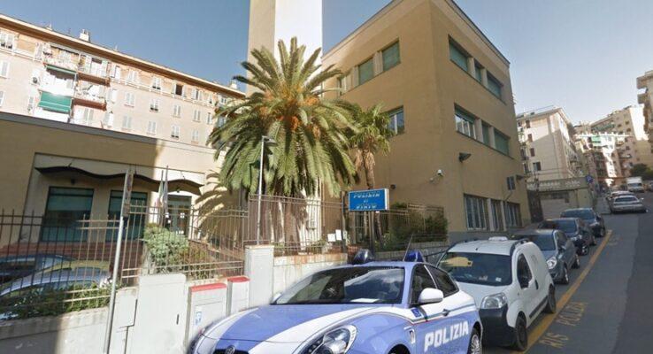 In giro per Genova minacciando i passanti col coltello, arrestato