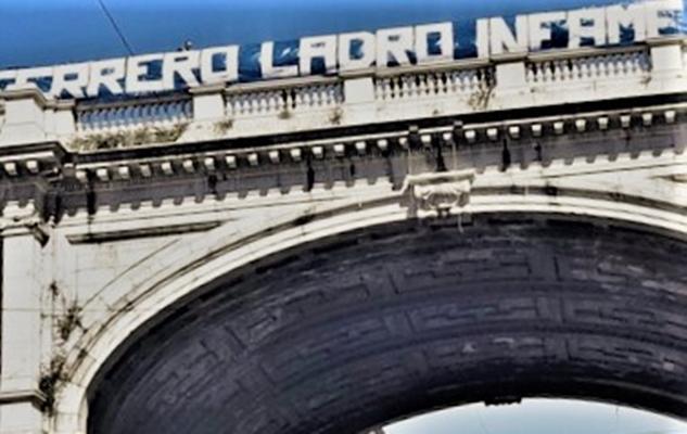 """Sampdoriani 40enni appesero striscione """"Ferrero ladro infame"""". Daspo di 1 e 5 anni"""