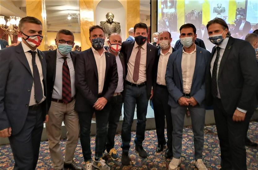 I consiglieri regionali eletti della Lega hanno incontrato Salvini a Roma