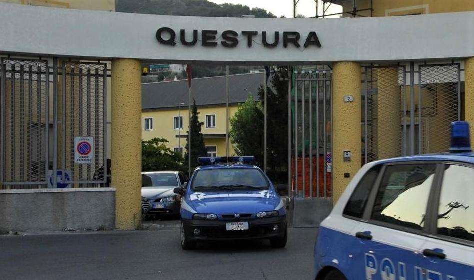 Poliziotti aggrediti a Savona, la solidarietà del ministro Lamorgese