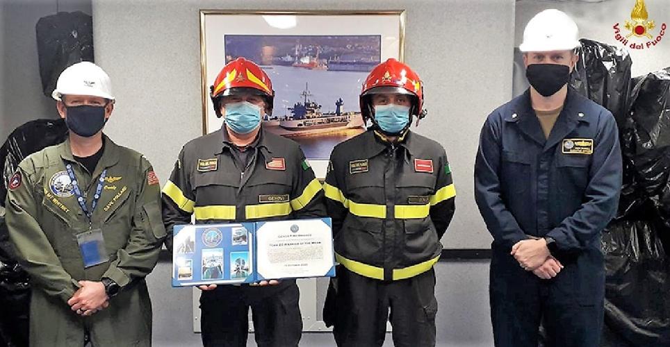 Ai Vigili del fuoco di Genova il ringraziamento del comandante della Uss Mount Whitney
