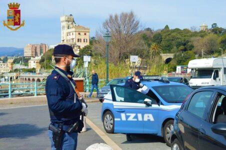 Due arresti a Genova. 25enne evade dai domiciliari, 29enne beccato con merce rubata
