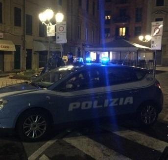 Pattuglione della Polizia nel savonese, 50 persone controllate