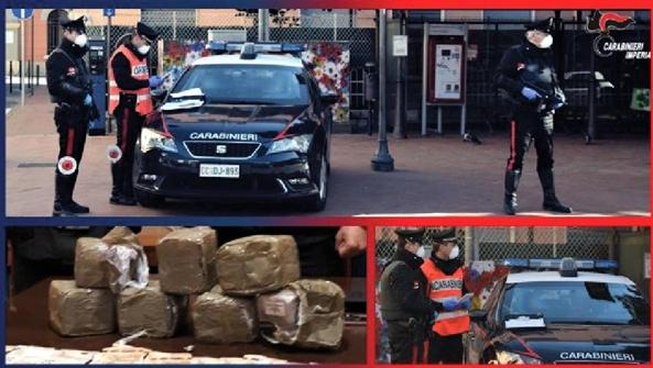 Beccato con sette kg di hashish in auto, arrestato dai carabinieri a Ventimiglia