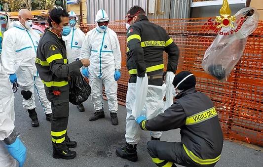 Vigili del fuoco Genova e La Spezia per paziente Covid obeso, escursionista infortunata e auto nel canale