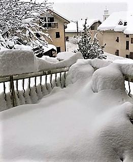 Neve, tregua nell'entroterra di Sassello e Urbe