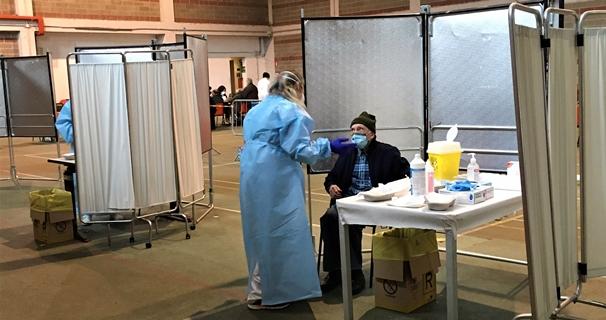 coronavirus oggi, liguria covid, vaccinazioni over 80 sassello