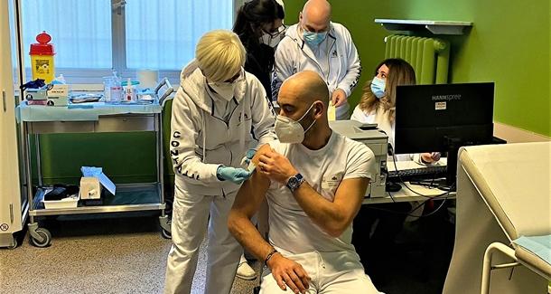 matteo bassetti vaccini e cure domiciliari