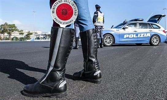 polizia acqui terme sospesa licenza commerciale