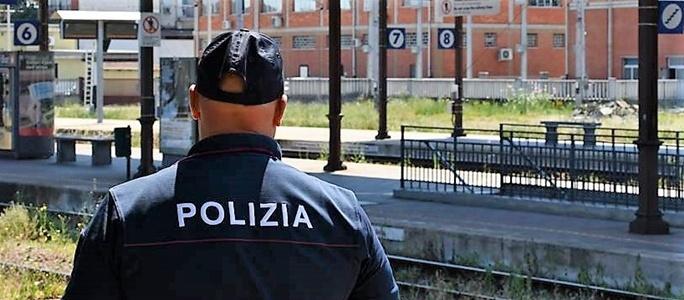 polizia genova alle strazioni principe e brignole