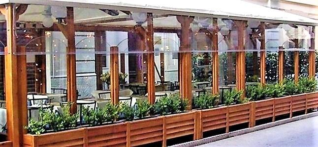 Liguria. Ristorazione in un dehors o veranda esterna, chiarimenti