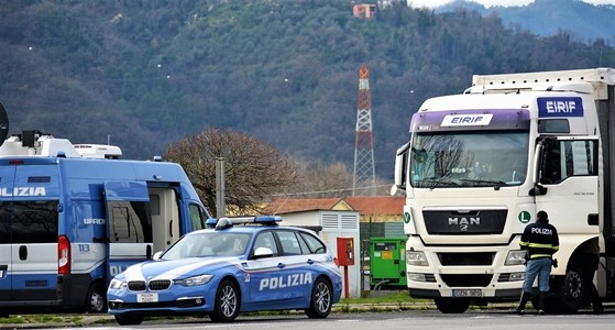 Scali Savona e Genova, aumentano i controlli della Stradale su trasporti eccezionali