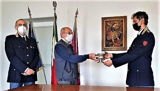 Genova brevi. Restituito oggetto rubato alla chiesa della Maddalena