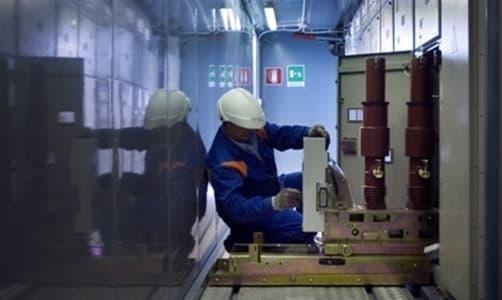 Savona, Enel lavori nella cabina che si trova vicino alla stazione