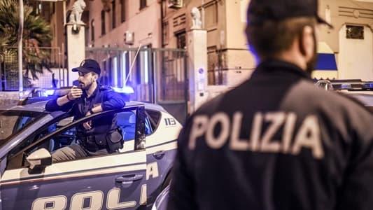 polizia genova ferma un uomo per maltrattamenti in famiglia