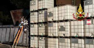 Incendio container ditta trattamento oli a Genova