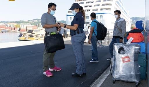 Genova brevi. Controlli Stradale, furto di birra, violenza domestica