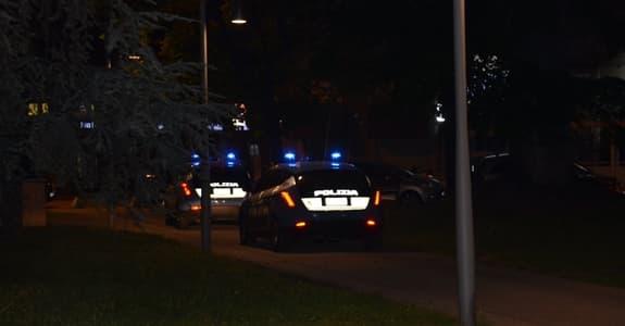 Coppia accerchiata da 5 giovani in trasferta, tutti presi a Genova