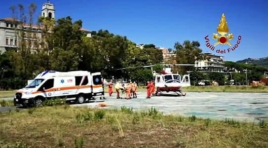 Vigili del fuoco Genova-Imperia per trasporto bambino al Gaslini per cure urgenti