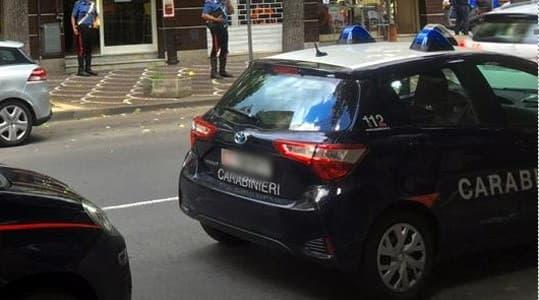 Arrestato 25enne in piazza del Popolo a Savona, minacce ai carabinieri