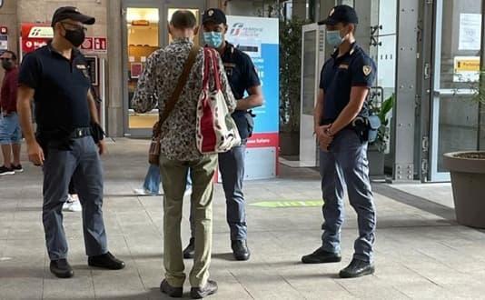 Polizia Ricercato da sei anni arrestato in stazione a Genova Principe