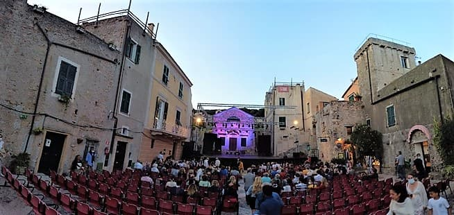 Borgio Verezzi 11 prime nazionali su 13 spettacoli, successo al 55° Festival