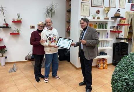 Savona, 50 anni di attività per il parrucchiere Orazio Lo Vasco