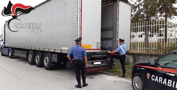 Entrati in A10 clandestini diretti in Francia invece il Tir va a Mondovì