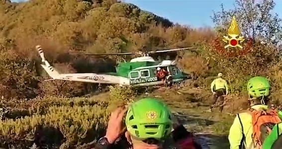 Genova, escursionista cade e batte la testa, Vigili del fuoco in soccorso