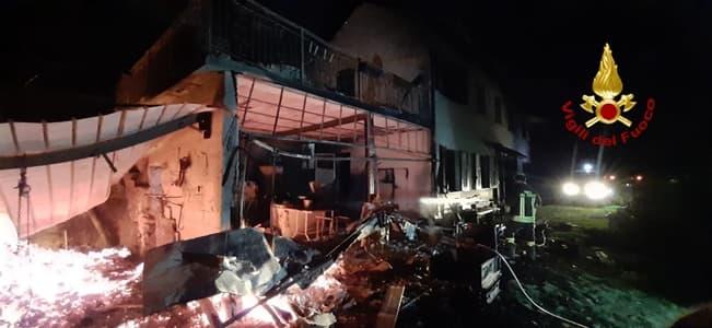 Incendio nella notte in una abitazione di anziani a Pontedecimo